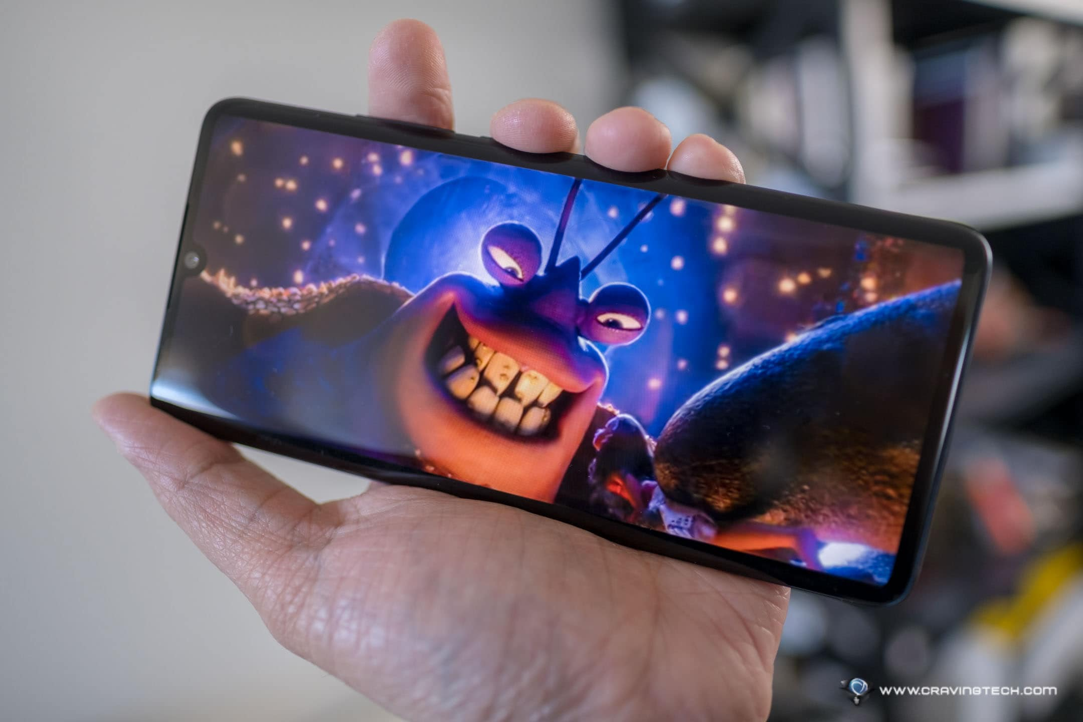 TCL 10 Pro Review - A mid-range Android phone with premium display