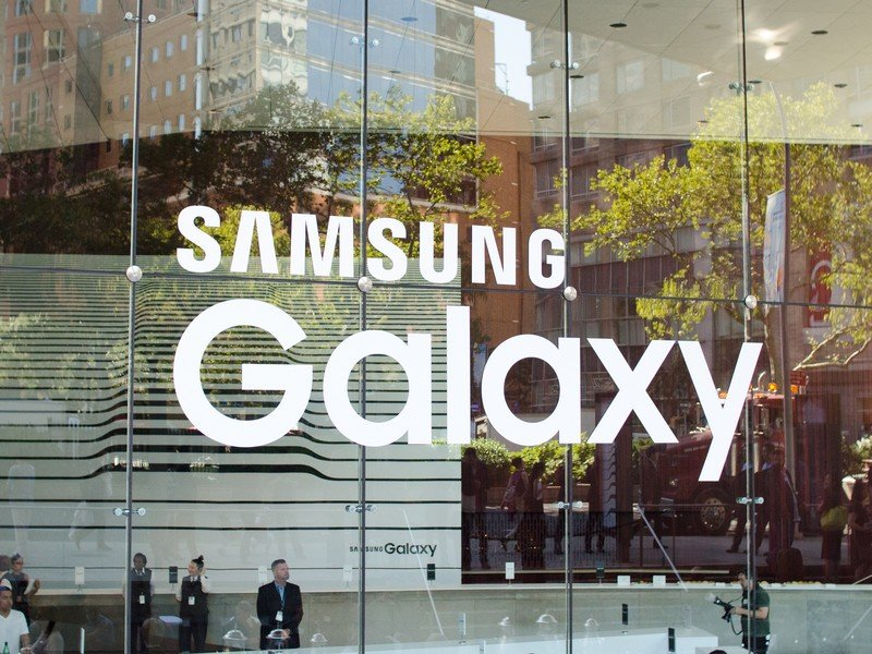 Why Samsung only cares about 'Android' and 'Google' when it's convenient