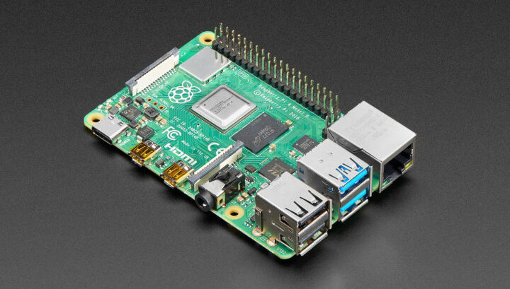 Android 11 arrives on the Raspberry Pi, thanks to new OmniROM release