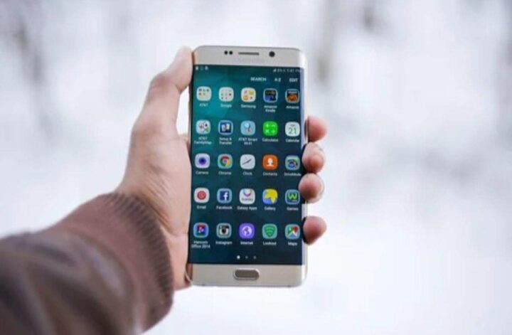 6 things to look at before downloading a new Android app on your phone